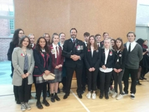 New Zealand War Hero Willie Apiata VC with all of the Young Ambassadors 2018